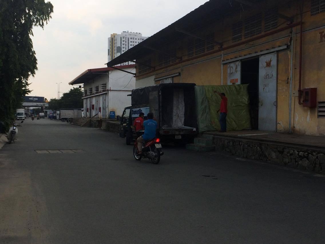 Kho bãi ở ga Giáp Bát, Hà Nội